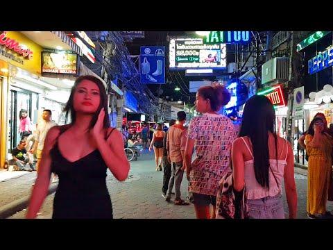 pattaya strolling aspect road leisurely friday night
