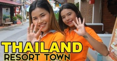 "WALKABOUT IN HUA HIN ""THAILAND RESORT TOWN"""