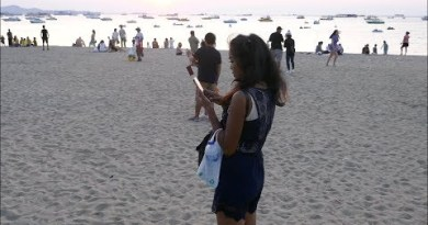Thai Women having a see for a Job in Pattaya