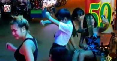 Pattaya Soi Buakhao Ladyboys Freelancer On Avenue Show conceal || Pattaya Thailand