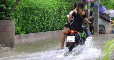 Monsoon Season! One-Hour Rainstorm Floods Pattaya, Thailand