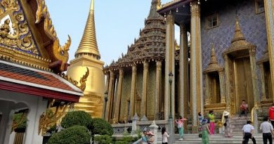 Wat Phra Kaew & Mountainous Palace, Bangkok, Thailand in 4K (Ultra HD)
