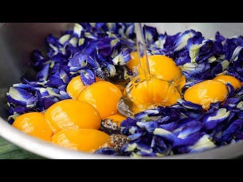 Thai Food – GIANT BLUE EGG OMELETTE Aoywaan Bangkok Thailand
