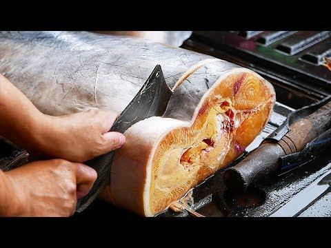 Thai Meals – GIANT CATFISH CUTTING Aoywaan Bangkok Thailand