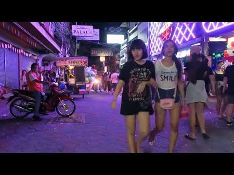 Pattaya Metropolis Tour – Walking Avenue