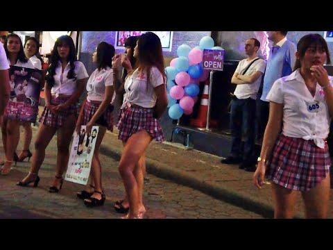 Cinematic – Strolling Avenue Pattaya Nightlife