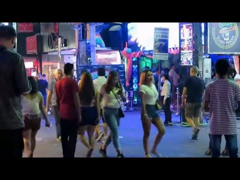 Freelancers in Strolling Avenue Pattaya – Taken prior to shut down