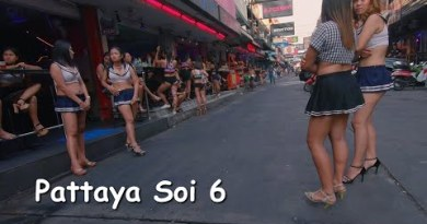 Sexy Thai bar girls at Soi 6 Pattaya