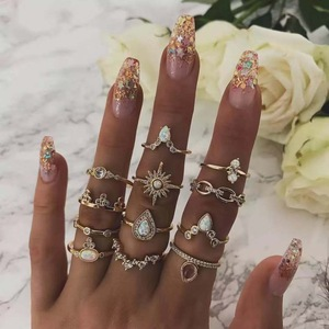 Tocona Fashion Metal Triangle Drop Opal Crystal MIdi Rings Set For Women Charm Rhinestone Geometry Retro Party Ring Anillos 7025