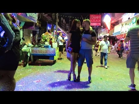 Pattaya New Years Eve 2018 – Strolling Road after heart of the evening…