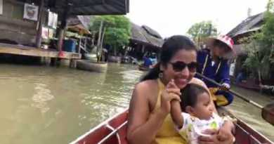 floating market in pattaya(thailand)