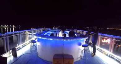 Simple easy systems to salvage to  the rooftop bar  in walking avenue (Pattaya Thailand)
