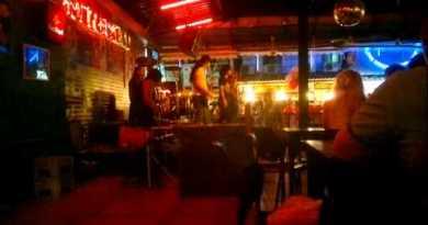 Pattaya Walking Avenue Rock Bar