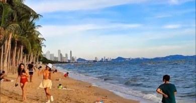 A windy day on Pattaya Jomtien Beach (2020-06-23)