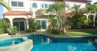 Jomtien Pattaya 4 bed room  home condo HR1384