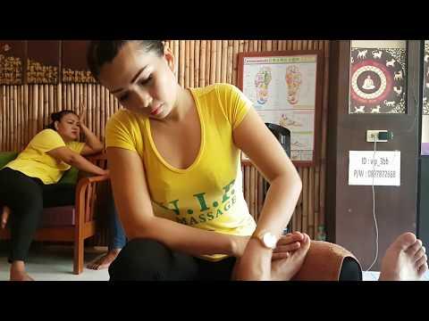 Thai reflexology foot massage, Pattaya, Thailand   ASMR massage
