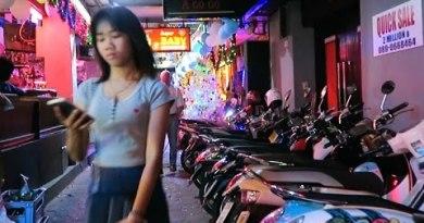 Pattaya NYE 2016 – Walking Avenue Side Alleys