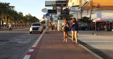 (6:00 PM) Strolling along the Beach Street in Pattaya September 25th