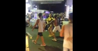 Pattaya – Ladyboy vs. Farang at Strolling Avenue (Fragment 3)