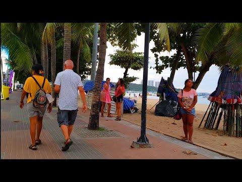 pattaya shoreline avenue and evening freelancers