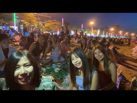 Fireworks in Pattaya seaside !