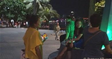 Pattaya 2014 Sea depart Boulevard Nightlife mid-March many Girls no Buyer