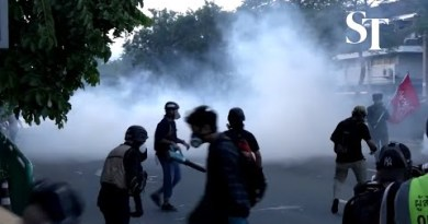Clashes in Thailand as stress builds on PM