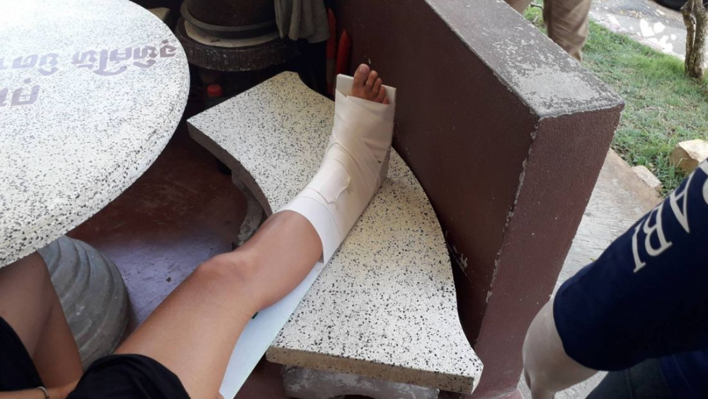 A female tourist was rushed to hospital on Monday after being bitten by a snake at the Tiger Cave Temple in Krabi. The 23-year-old German was taken to Krabi Hospital after she was been bitten on her right foot. She was conscious whilst being treated at the scene and during her trip to hospital. A friend of the German said that while they were walking inside the temple, her friend had stepped on a pile of leaves. She then screamed out as the snake bit her on the foot.