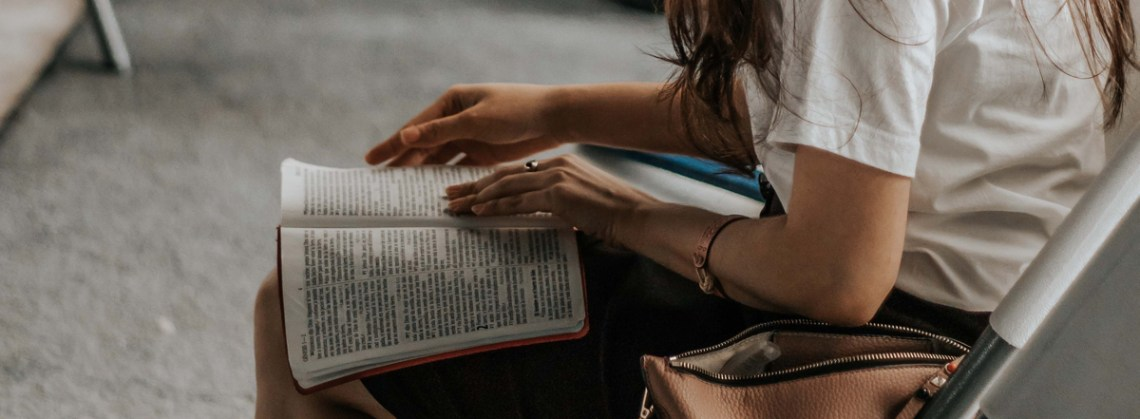 woman-holding-bible