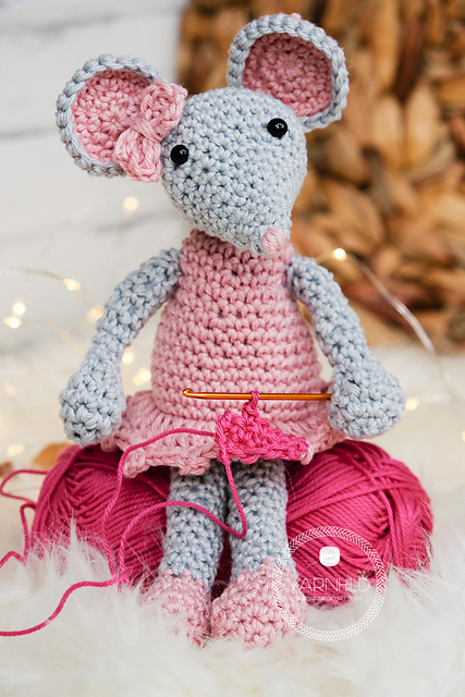Crochet bunny and mouse pattern | Amiguroom Toys | 640x427