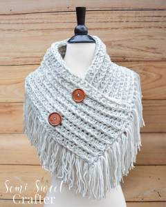 Ribbed Fringe Cowl - Free Crochet Pattern