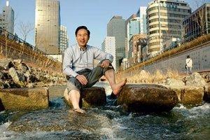 g130118_u42682_mayor_cheonggyecheon-full