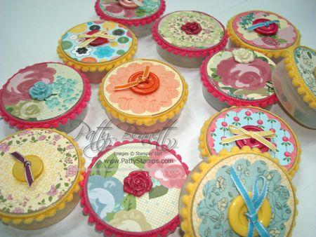 Button containers 2