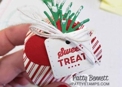 Mini Curvy Keepsakes Treat Box for Christmas