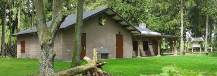 Vanaf het kampeer terrein is er een foto genomen van het buitencentrum de Voshaar. Architect Enschede Markelo Hengelo Haaksbergen Almelo Oldenzaal Borne