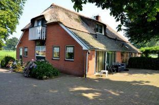 Bestaande boerderij achter en zijgevel. Architect Enschede Markelo Hengelo Haaksbergen Almelo Oldenzaal Borne