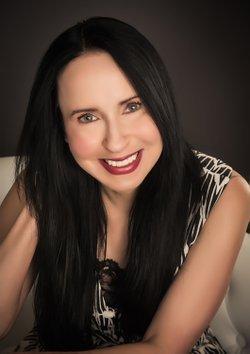Photo of author Lisa Renee Jones