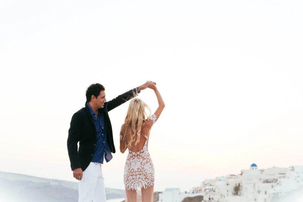 PAULARALLIS.com - Santorini, Greece elopement
