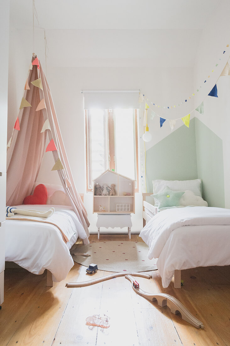 How To Make Multiple Bed Layout Work 6 Shared Kids Room Ideas Paul Paula