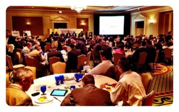 Packed house DC Mobile Outlook Conf w/ @potomactechwire #mobout