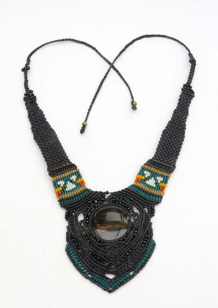 Pauline-Huard-design-textile-stylisme-illustration-graphisme-ANUDA-collier-2