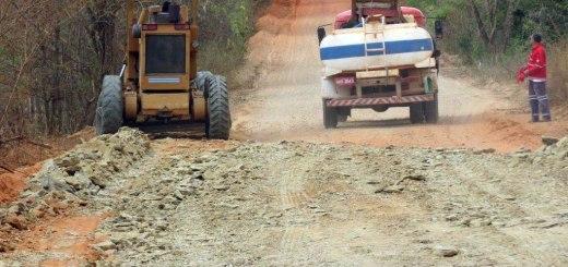 Paulo Guedes consegue recursos para recuperação de rodovias no Norte de Minas
