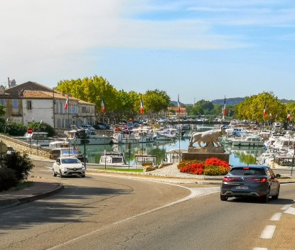 Beaucaire port