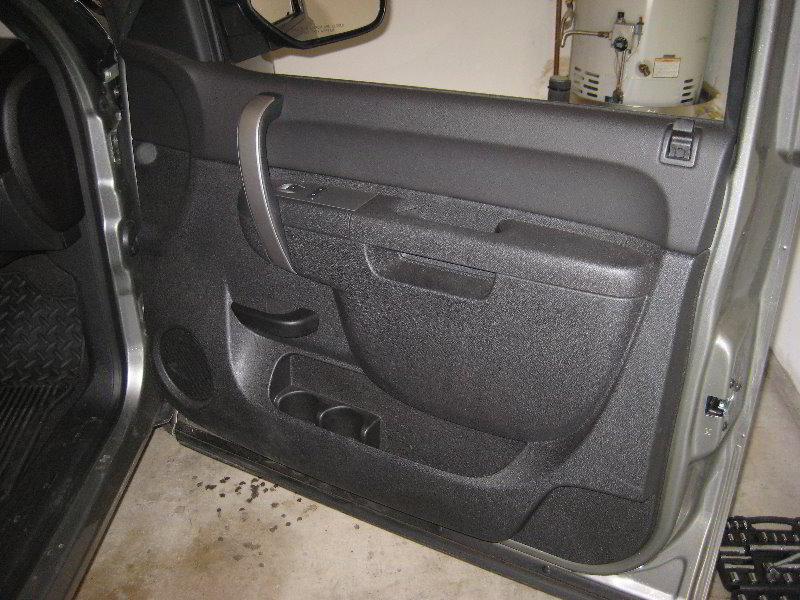 Gmc Sierra Stereo Wiring Diagram Chevrolet Silverado Interior Door Panel Removal Guide 001