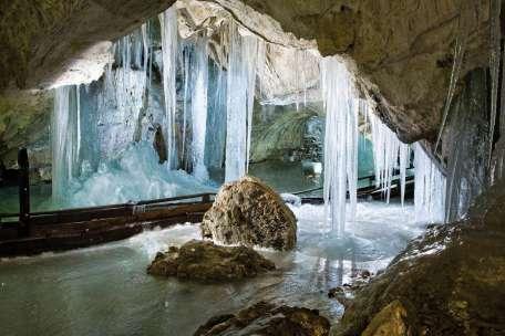 Slovenie dobsinska ijsgrot