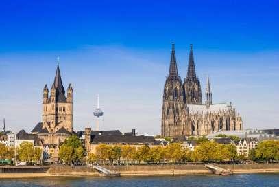 duitsland-keulen-kathedraal-vanaf-rivier