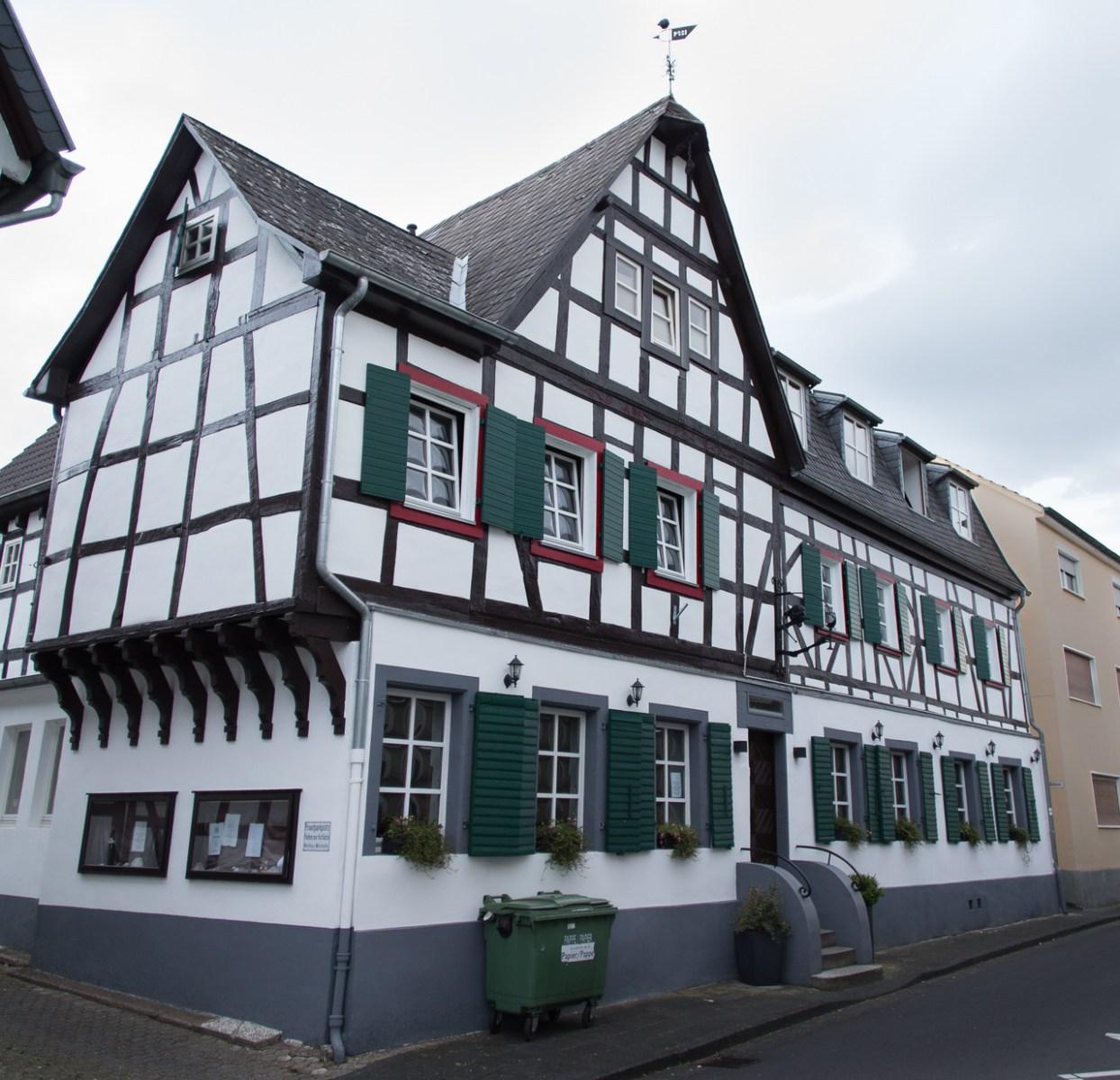 Das Weinhaus Weinmühle in Königswinter-Oberdollendorf. Foto: Andreas Paul / Paul van Groove