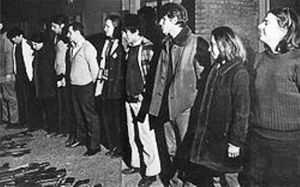 Imágenes tomadas por la prensa al momento de la rendición de los 19.