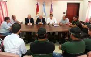 El gobernador Lifschitz y el ministro Contigiani en una reunión con representantes de Sadesa.