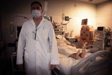 Néstor Iván Carrizo, jefe de Terapia Intensiva del Hospital Cullen. Foto: Mauricio Centurión